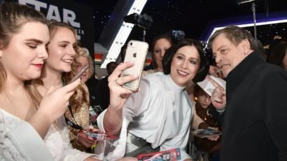 Star Wars And Cats First Reactions Pour In Bbc News