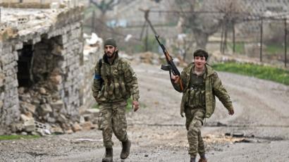 إثنان من مقاتلي الجيش السوري الحر