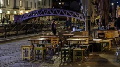 Wabah corona di Italia telah membuat kafe-kafe di Italia sepi pengunjung