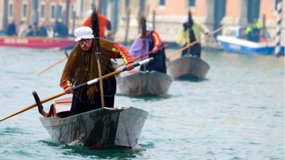 بعض القوارب الشهيرة في فينيسيا