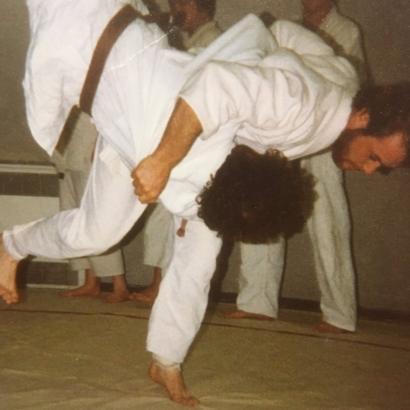 Steve Gilbert practicando judo