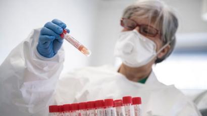 Finlandiyalı alimlər koronavirusun havada necə yayılmasını açıqladılar