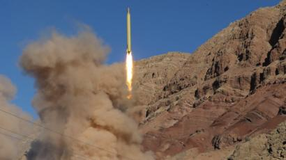 تجربة لصاروخ قادر الإيراني بعيد المدى