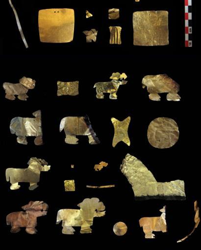 Figuras de animales en láminas de oro