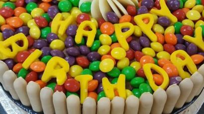 Pleasing Norwich Bakers Make Cakes For Children They Will Never Meet Bbc News Funny Birthday Cards Online Barepcheapnameinfo