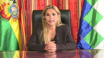"Bolivia: Presidenta interina promulgó ley de ampliación ""excepcional"" a su gobierno"