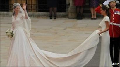 Derbyshire Lace Used In Kate Middleton S Wedding Dress Bbc News