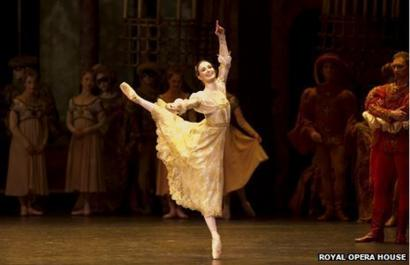 the best attitude f071c 79368 Ballerina Lauren Cuthbertson's top 10 ballet tips - BBC News