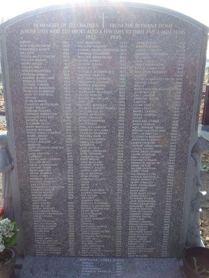 Memorial gravestone