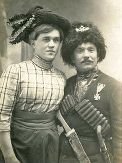 Russian 'Travesti' theatre, 1910s