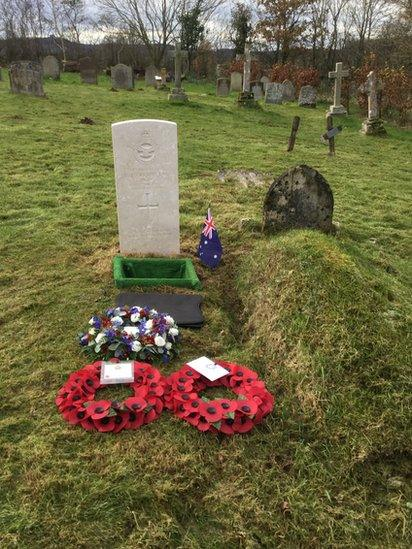 Sqn Ldr Cremin's grave