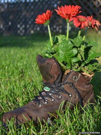 Flower pot footwear