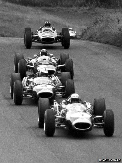 Jack Brabham leads from Denny Hulme, Jackie Stewart, Graham Hill and Jim Clark