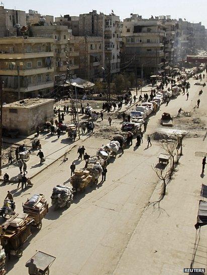 People flee areas under attack in Aleppo. 4 Feb 2014