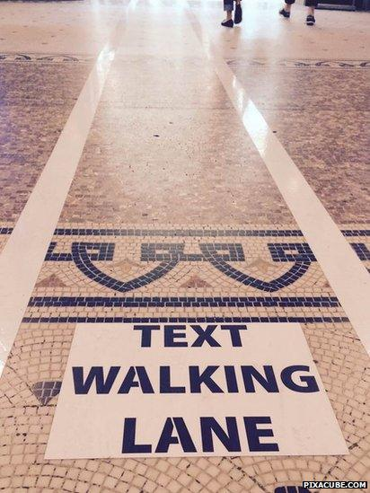 'Text walking lane' in Antwerp (June 2015)