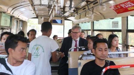 英国大使微服考察缅甸民情