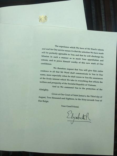 Trang 2 thư của Nữ hoàng Anh.