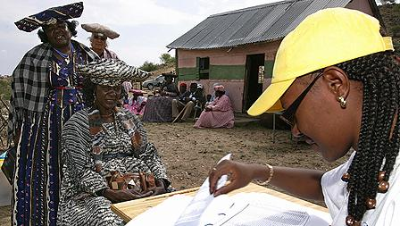 Voters in Namibia's 2004 presidential elections
