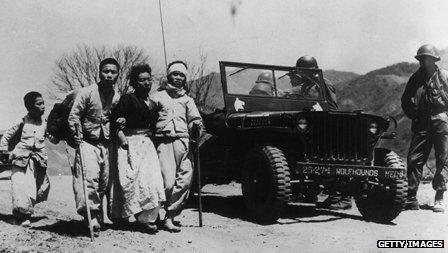 Civilians flee conflict in the Korean War