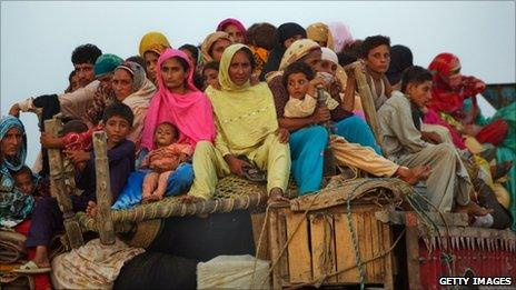Displaced villagers on the outskirts of Muzaffargarh in Punjab, Pakistan