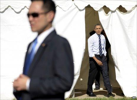 """President Barack Obama walks out to speak at a campaign rally for Maryland Gov. Martin O""""Malley,"""