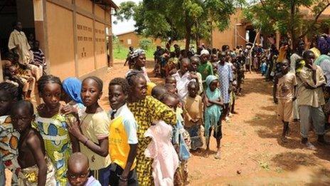 People queuing to get the meningitis vaccine