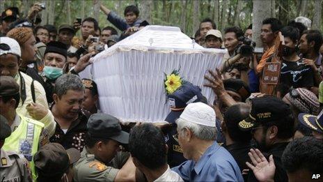The funeral of Maridjan, at a graveyard near Mount Merapi - 28 October 2010