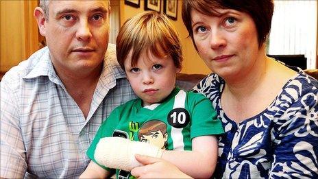 Jason and Hayley Carmichael and their son Ethan