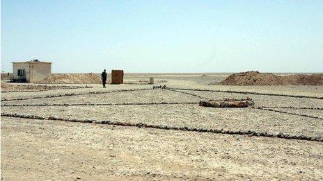 Syria's border with Iraq (file photo - 2007)