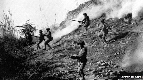 Indian army soldiers attacking Naya Chor, in Sindh in support of Bengali rebels of the liberation army during the Indo-Pakistani War of 1971
