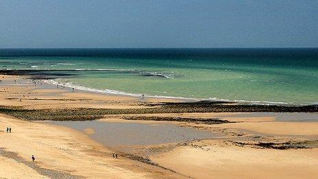 Cromer Beach in summer (photo: Martin Barber)