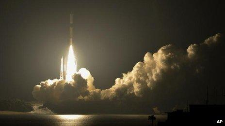 A H-2A rocket lifts off from the Japan Aerospace Exploration Agency's Tanegashima Space Centre on Tanegashima Island in Kagoshima Prefecture, southwestern Japan, 18 May, 2012
