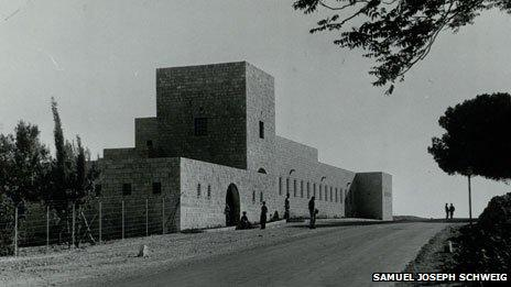 Qaryat El Inab fort (credit: Samuel Joseph Schweig; from the Otto Hoffman archive, the National Library of Israel)