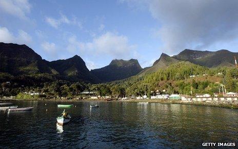 Robinson Crusoe island - view of cliffs