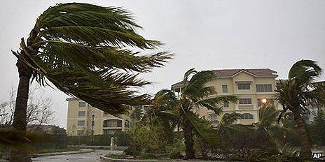 Hurricane Ike batters Turks and Caicos islands