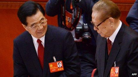 Hu Jinato (L) and Jiang Zemin (R)