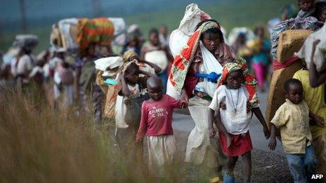 Congolese fleeing fighting in eastern DR Congo - November 2012