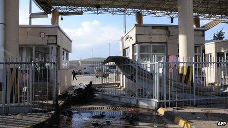 Cilvegozu border post after the blast (11 February 2013)