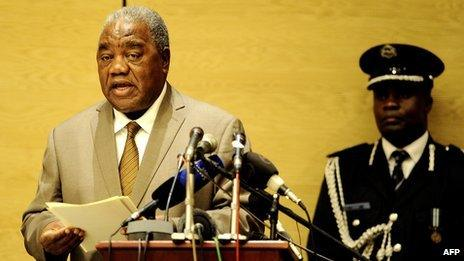 Zambian President Rupiah Banda delivers a speech during the opening ceremony of the SADC (Southern African Development Community) summit on 31 March 2011 in Livingstone, Zambia.
