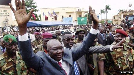 Central African Republic rebel leader Michel Djotodia greets supporters in Bangui (30 Mar 2013)