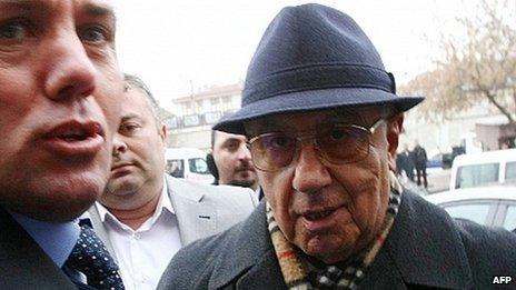Former Turkish Chief of Staff Ismail Hakki Karadayi (R). Photo: January 2013