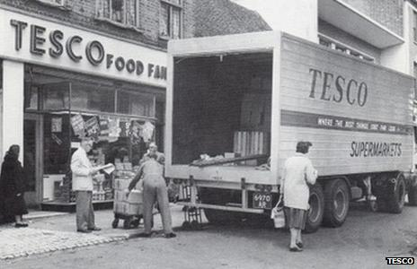 """Staff deliver goods to the first """"self-service Tesco in St Albans, Hertfordshire in 1948"""