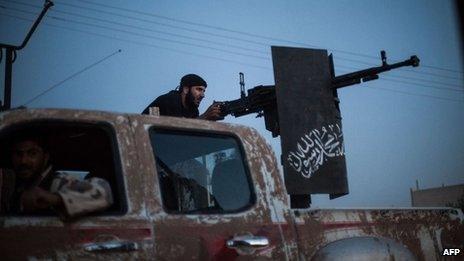 Members of Ahrar al-Sham near the northern city of Raqqa (25 August 2013)