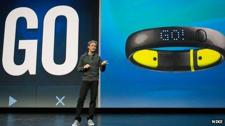 Stefan Olander in front of fuelband and GO!