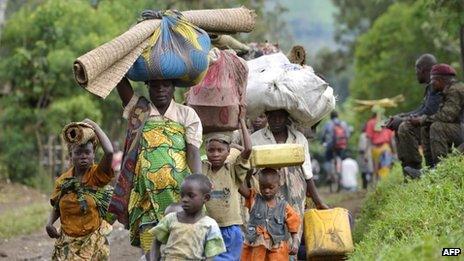 People flee fighting between Congolese troops and M23 rebels
