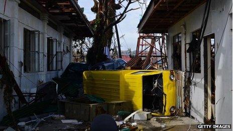 Storm surge aftermath in Tacloban, 10 Nov