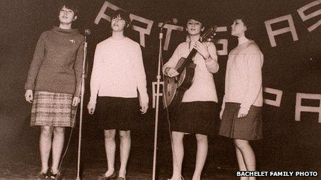 Michelle Bachelet performing with a music group in 1967