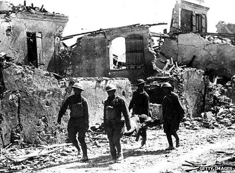 Stretcher bearers, 1918