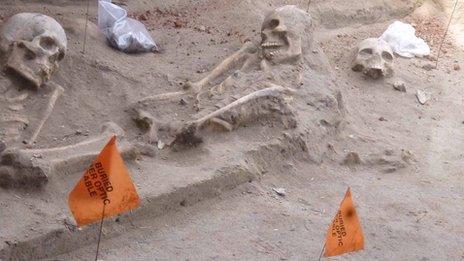 Skeletons in Sri Lanka mass grave