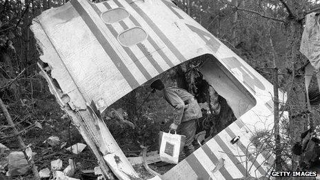 DC-10 wreckage